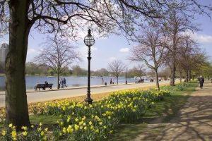 Menikmati Keindahan Taman Hyde London Inggris